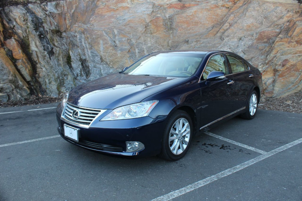 pre-owned 2011 lexus es 350 4dr sedan sedan in greenwich #2414606a